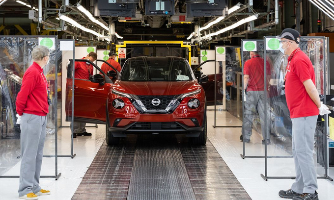 Nissan xây nhà máy pin - đánh cược vào xe điện