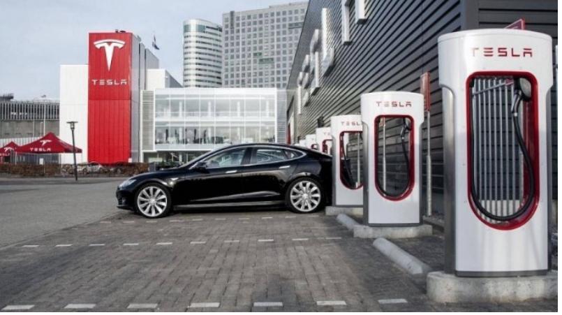 Tesla kiếm tỷ đô khi chia sẻ trạm sạc xe điện