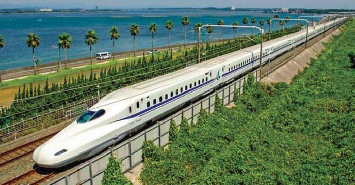 Cần 240.000 tỷ đồng đầu tư đường sắt trong 10 năm tới