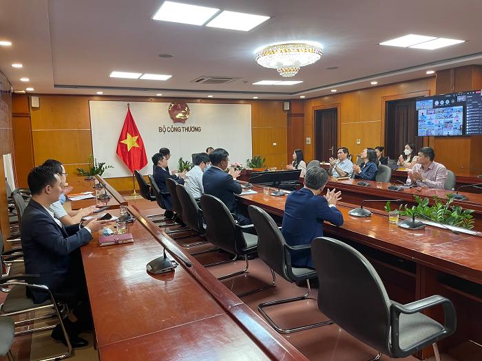Hội nghị trực tuyến giữa Bộ Công Thương và Samsung Việt Nam: tháo gỡ khó khăn, tìm giải...