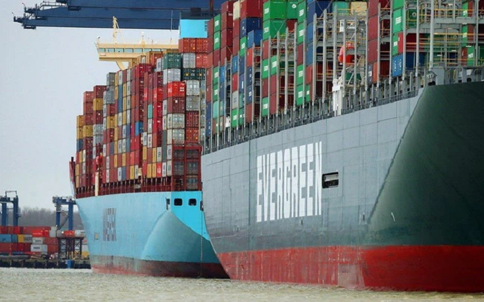 The Economist: Khi chi phí vận tải không giảm, tàu hết chỗ nằm chờ, doanh nghiệp buộc...