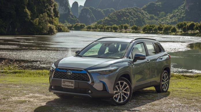 Vì sao xe hybrid Toyota Corolla Cross vượt kỳ vọng doanh số tại Việt Nam?